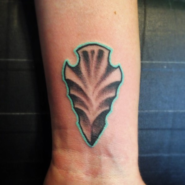 arrowhead-tattoo-with-blue-outline