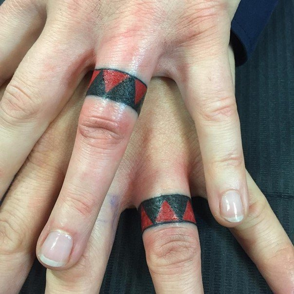 Beautiful Wedding Ring Tattoos: Beautiful-wedding-band-tattoos
