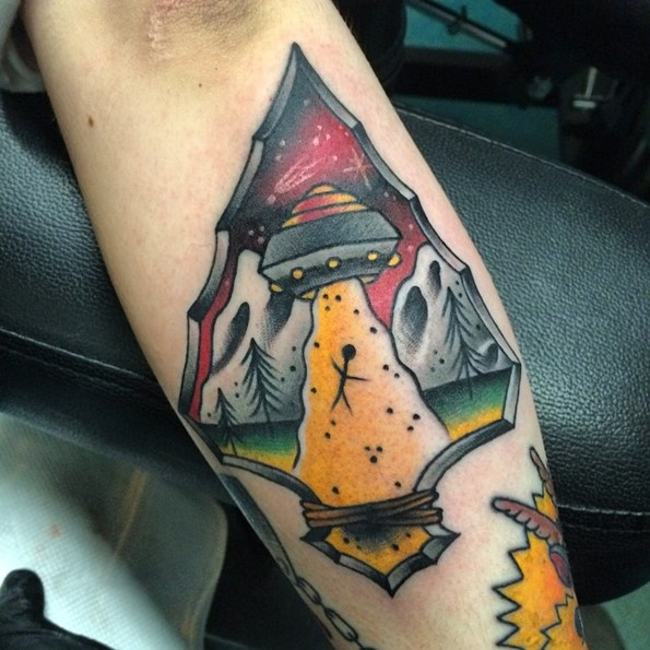 traditional-alien-tattoo-arrowhead