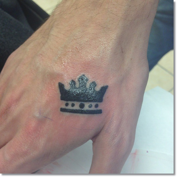 cool-crown-tattoo-for-men-on-hand
