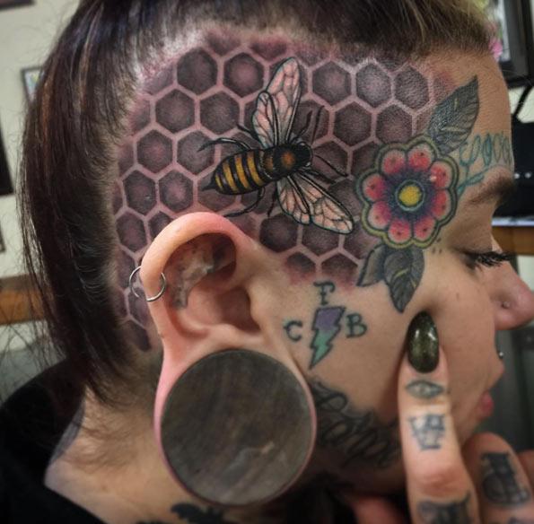 bee-skull-tattoo