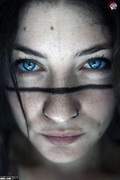 line-face-tattoo