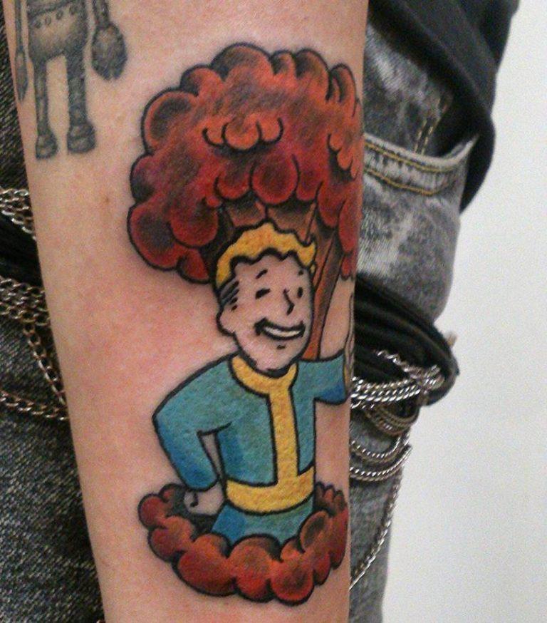 fallout-vault-boy-tattoo-e1448388520732-768x874