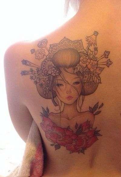 bellissima-geisha-su-scapola-e-schiena