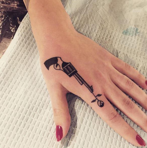 hand-tattoo-2