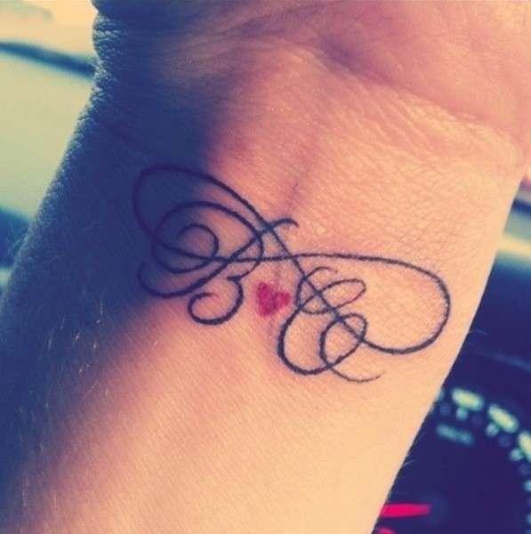 Amica tatuaj con farfalla - 3 1