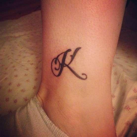 Tatuaggi lettere 30 foto e modelli per voi!