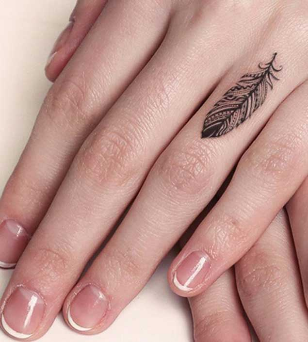 feather-finger-tattoo-1