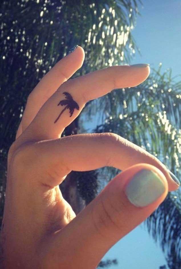palm-tree-tattoo-finger