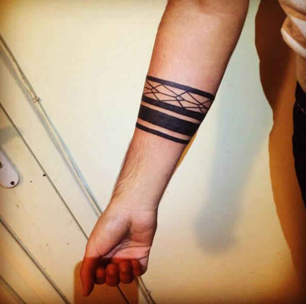 Favorito Tatuaggi con le bande sull'avambraccio: foto e significati! BE38